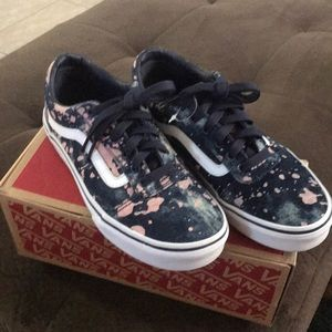 Girls Vans sneakers